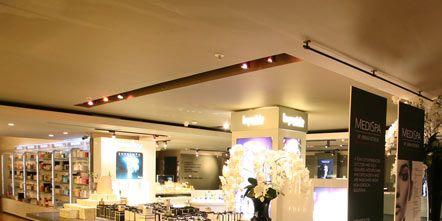 Lighting, Interior design, Ceiling, Display case, Floor, Retail, Light fixture, Display window, Collection, Trade,