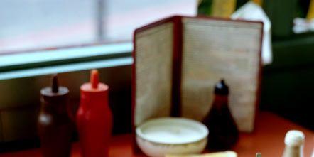 Serveware, Food, Dishware, Tableware, Meal, Cuisine, Drinkware, Finger food, Dish, Plate,