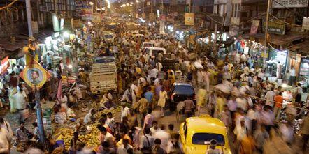 Motor vehicle, People, Public space, City, Crowd, Town, Street, Traffic congestion, Bazaar, Market,