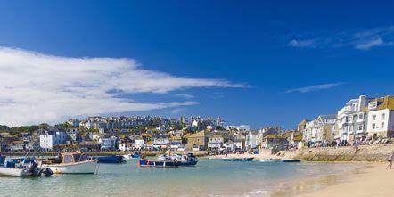 Watercraft, Coastal and oceanic landforms, Beach, Coast, Aqua, Boat, Shore, Azure, Sand, Sea,