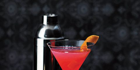 Liquid, Drink, Fluid, Drinkware, Alcoholic beverage, Glass, Tableware, Cocktail, Martini glass, Classic cocktail,