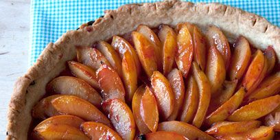 Food, Ingredient, Sausage, Dish, German food, Sweetness, Fruit, Tarte tatin, Diot, Snack,