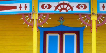 Blue, Yellow, Majorelle blue, Purple, Paint, Tints and shades, Visual arts, Fence, Home fencing, Symmetry,