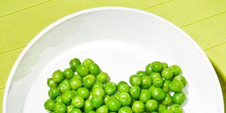 Green, Dishware, Food, Serveware, Pea, Produce, Legume, Ingredient, Snap pea, Plate,