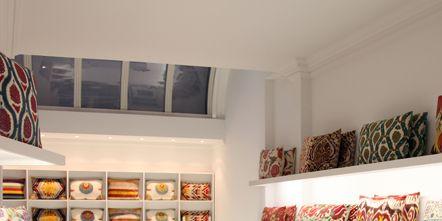 Interior design, Room, Wall, Shelving, Interior design, Collection, Shelf, Creative arts, Display case, Porcelain,