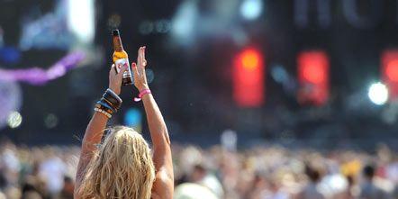 Crowd, People, Hat, Audience, Mammal, Elbow, Back, Fan, Blond, Sun hat,