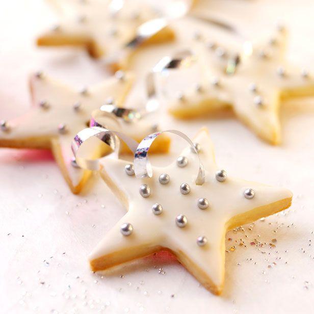 Elderflower and lime shortbread stars