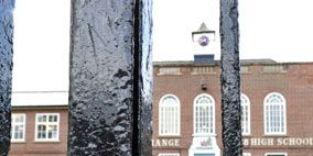 Window, Wall, Iron, Chain, Brick, Metal, Sash window, Building material, Brickwork, Water feature,