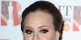 Hair, Nose, Lip, Cheek, Hairstyle, Chin, Forehead, Eyebrow, Eyelash, Earrings,