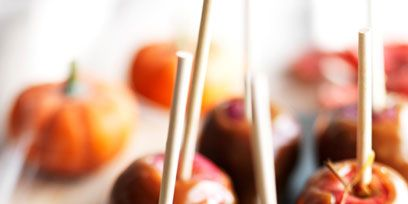 Food, Ingredient, Sweetness, Produce, Fruit, Candy apple, Natural foods, Whole food, Still life photography, Local food,