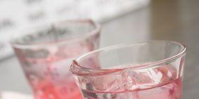 Fluid, Liquid, Glass, Drinkware, Serveware, Red, Tableware, Dishware, Barware, Transparent material,