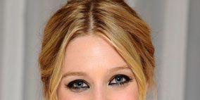 Nose, Lip, Smile, Mouth, Hairstyle, Eye, Chin, Forehead, Eyelash, Eyebrow,