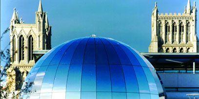 Architecture, Dome, Landmark, Facade, Spire, Dome, Steeple, Metropolitan area, World, Place of worship,