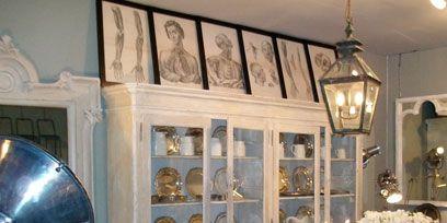 Room, Interior design, Furniture, Light fixture, Interior design, Ceiling, Ceiling fixture, Chandelier, Picture frame, Antique,