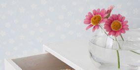 Petal, Flower, Finger food, Baked goods, Flowering plant, Serveware, Cuisine, Cut flowers, Recipe, Snack,