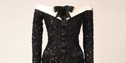 Sleeve, Textile, White, Collar, Pattern, Style, Formal wear, Fashion, Black, One-piece garment,