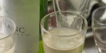 Drinkware, Glass, Fluid, Drink, Stemware, Liquid, Tableware, Barware, Alcoholic beverage, Cocktail,