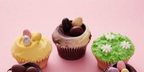 Cupcake, Sweetness, Food, Baked goods, Dessert, Ingredient, Cake, Cuisine, Baking cup, Confectionery,