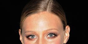 Hair, Ear, Lip, Cheek, Hairstyle, Eye, Skin, Chin, Forehead, Eyebrow,