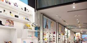 Interior design, Ceiling, Shelf, Shelving, Retail, Collection, Display case, Outlet store, Tile,