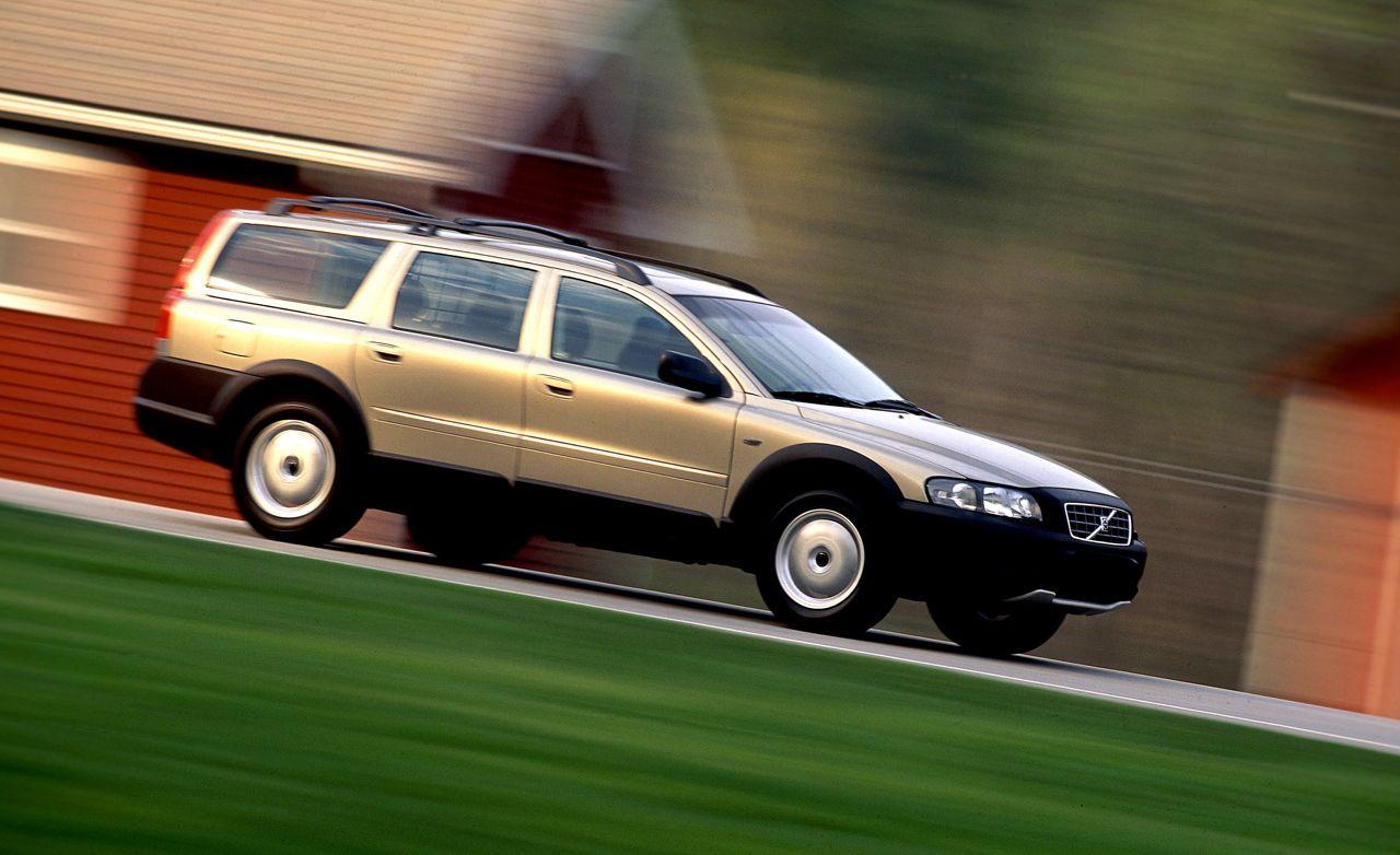 volvo v70 cross country rh caranddriver com 2001 Volvo V70 XC White 2001 Volvo V70 XC Interior