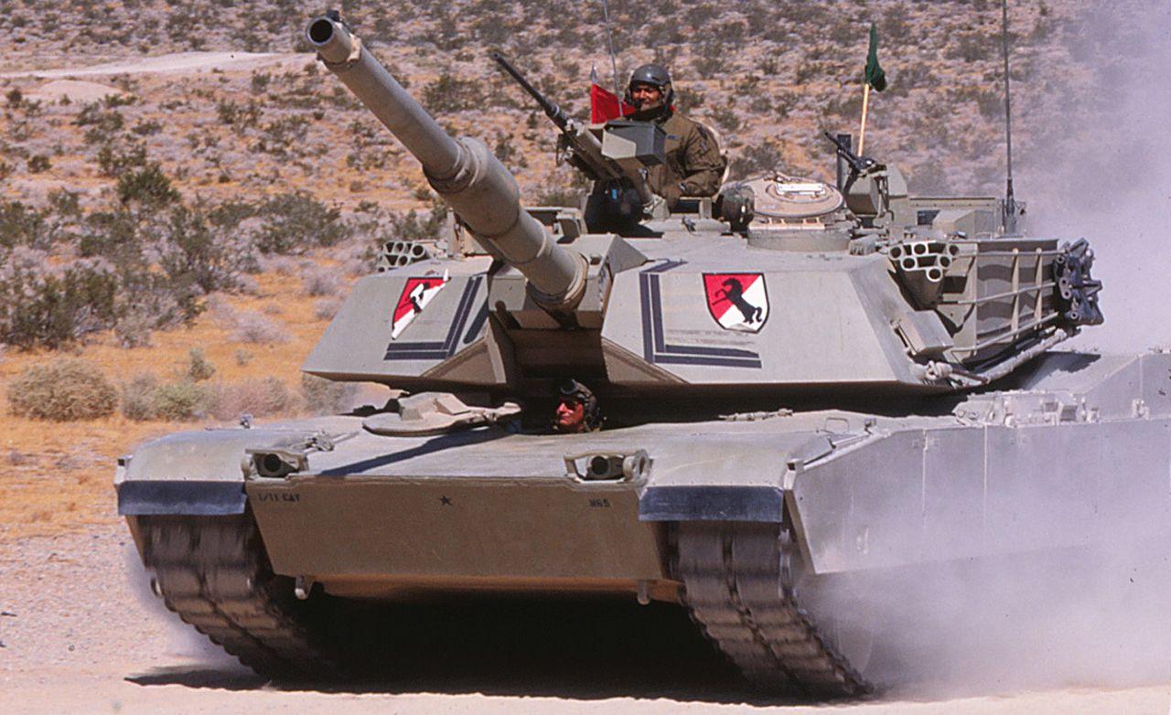 tank comm ander close bill