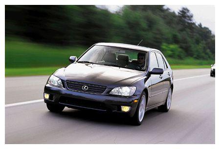 lexus is300 rh caranddriver com Lexus IS300 Sport Lexus IS300 Sport