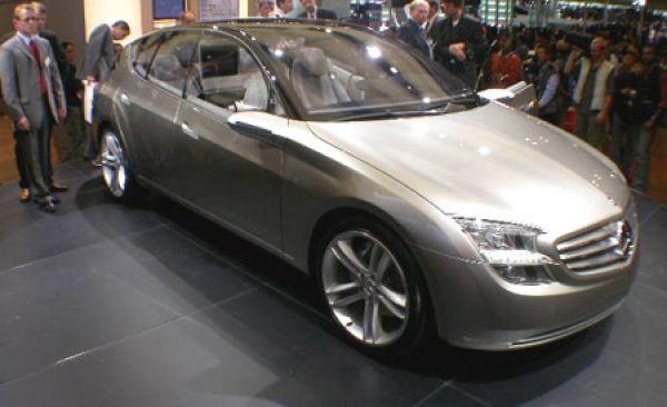 Mercedes-Benz F500 Mind