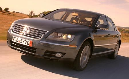 2004 volkswagen phaeton photo 3605 s original?crop=1xw 1xh;centercenter&resize=900 * 2004 volkswagen phaeton comparison tests comparisons car and 2006 Volkswagen Phaeton Interior at suagrazia.org