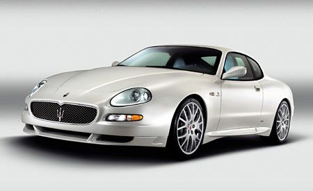 https://hips.hearstapps.com/amv-prod-cad-assets.s3.amazonaws.com/images/04q1/267421/maserati-gransport-photo-165499-s-original.jpg?crop=1xw:1xh;center,center&resize=600:*