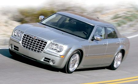 2005 Chrysler 300c Hemi Road Test Reviews Car And Driver