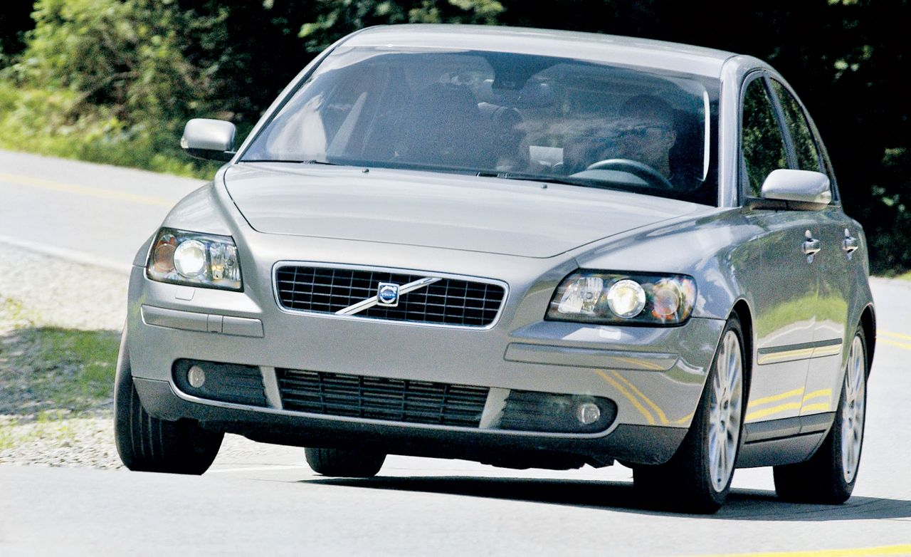 2004 Volvo S40 Wiring Diagrams T5 Rh Caranddriver Com Side Light Bulb Replace