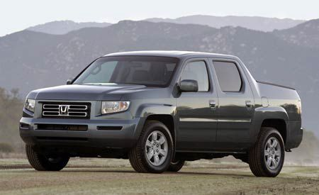 2006 honda ridgeline road test review car and driver. Black Bedroom Furniture Sets. Home Design Ideas