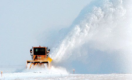 Oshkosh H-series High-Speed Snow Blower