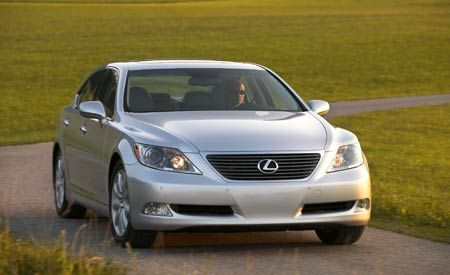2007 Lexus LS460 and LS460L