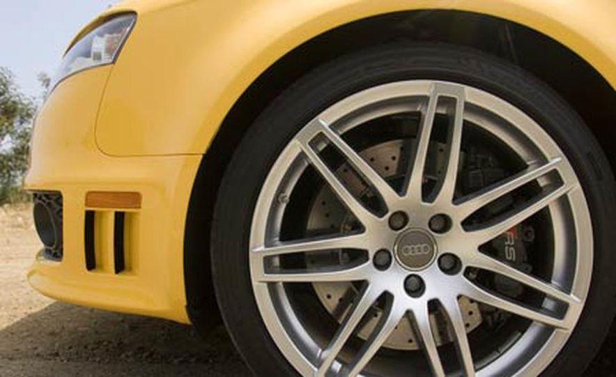2007 Audi RS 4 Quattro - Slide 12