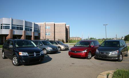 2007 Hyundai Entourage vs.2007 Nissan Quest, 2008 Dodge Grand Caravan, 2007 Toyota Sienna, 2007 Honda Odyssey