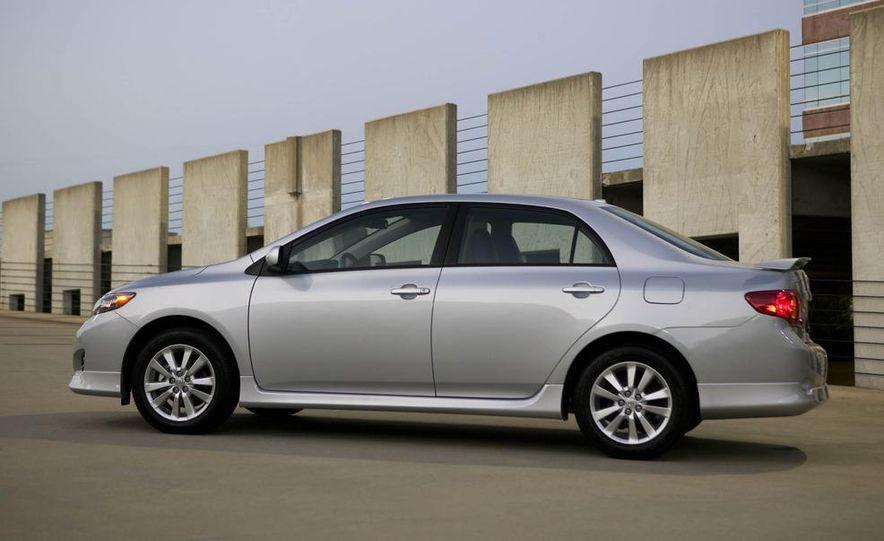 2009 Toyota Corolla - Slide 16