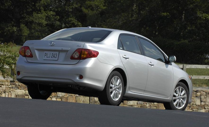 2009 Toyota Corolla - Slide 21