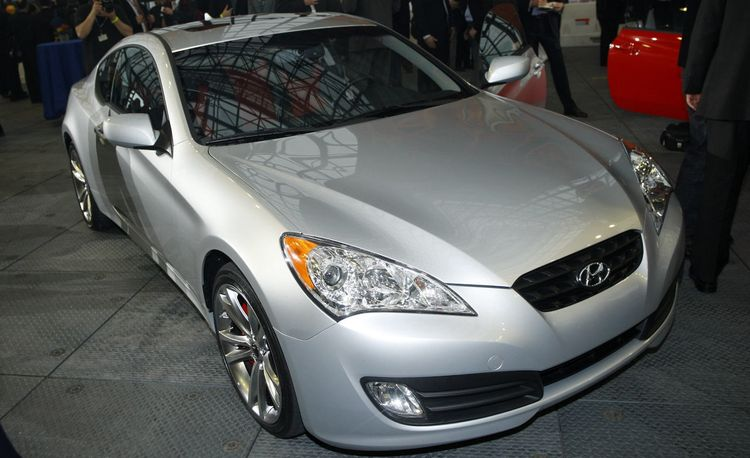 2010 Hyundai Genesis Coupe 2.0T and 3.8