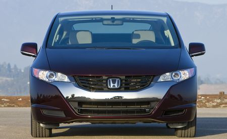 2009 Honda FCX Clarity Deliveries Begin