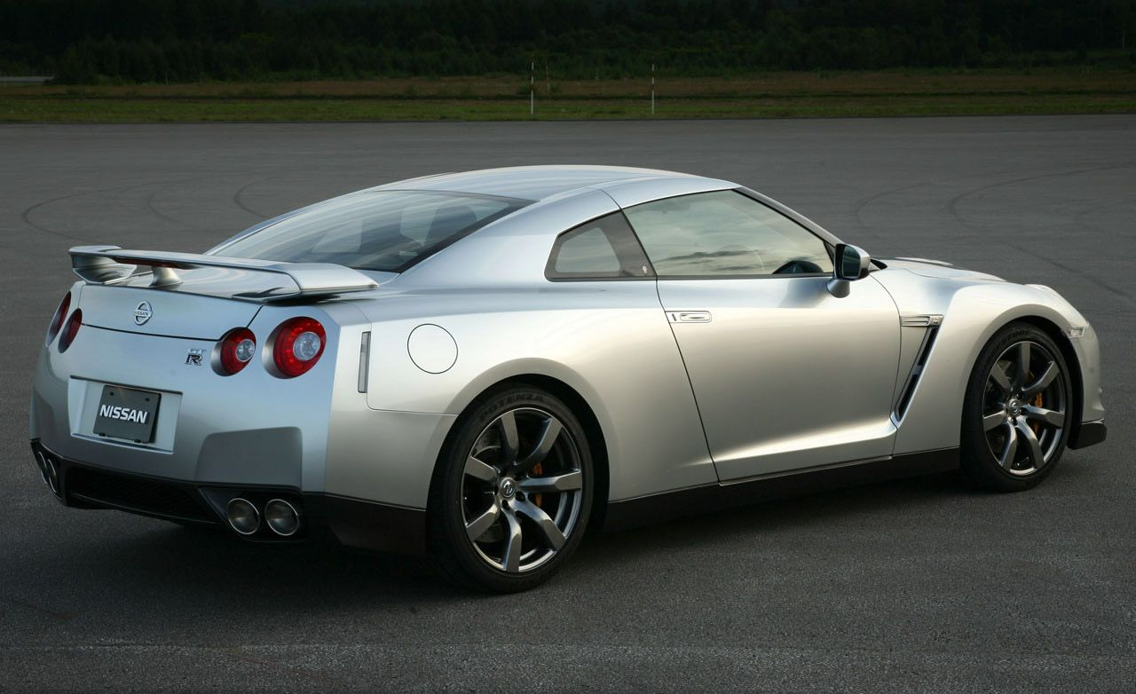 2009 nissan gt-r sets nürburgring record; u.s. supply