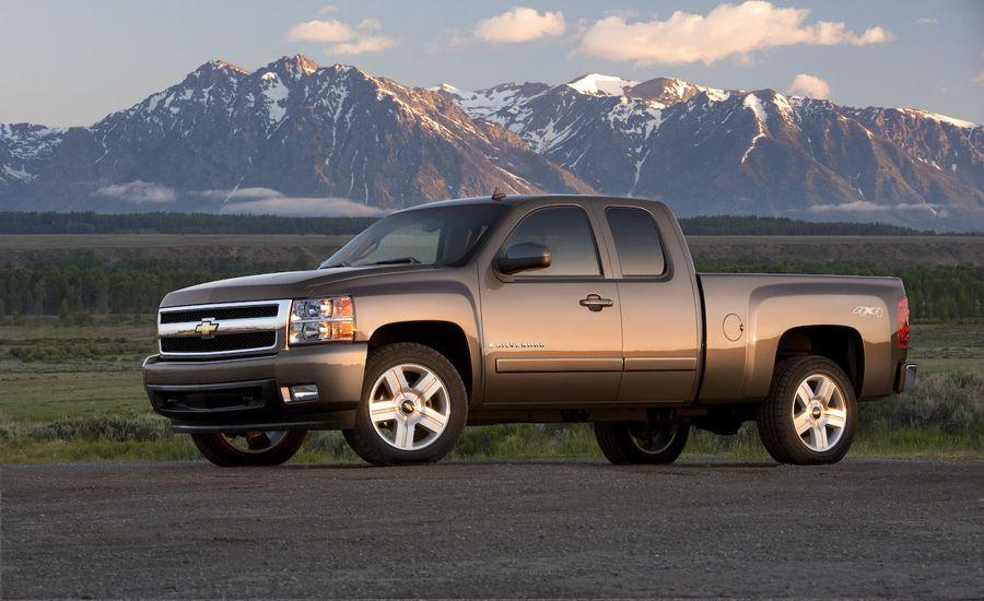 GM Gives Tentative Chevrolet Volt Volumes; Puts Next-Gen Truck Development on Hold