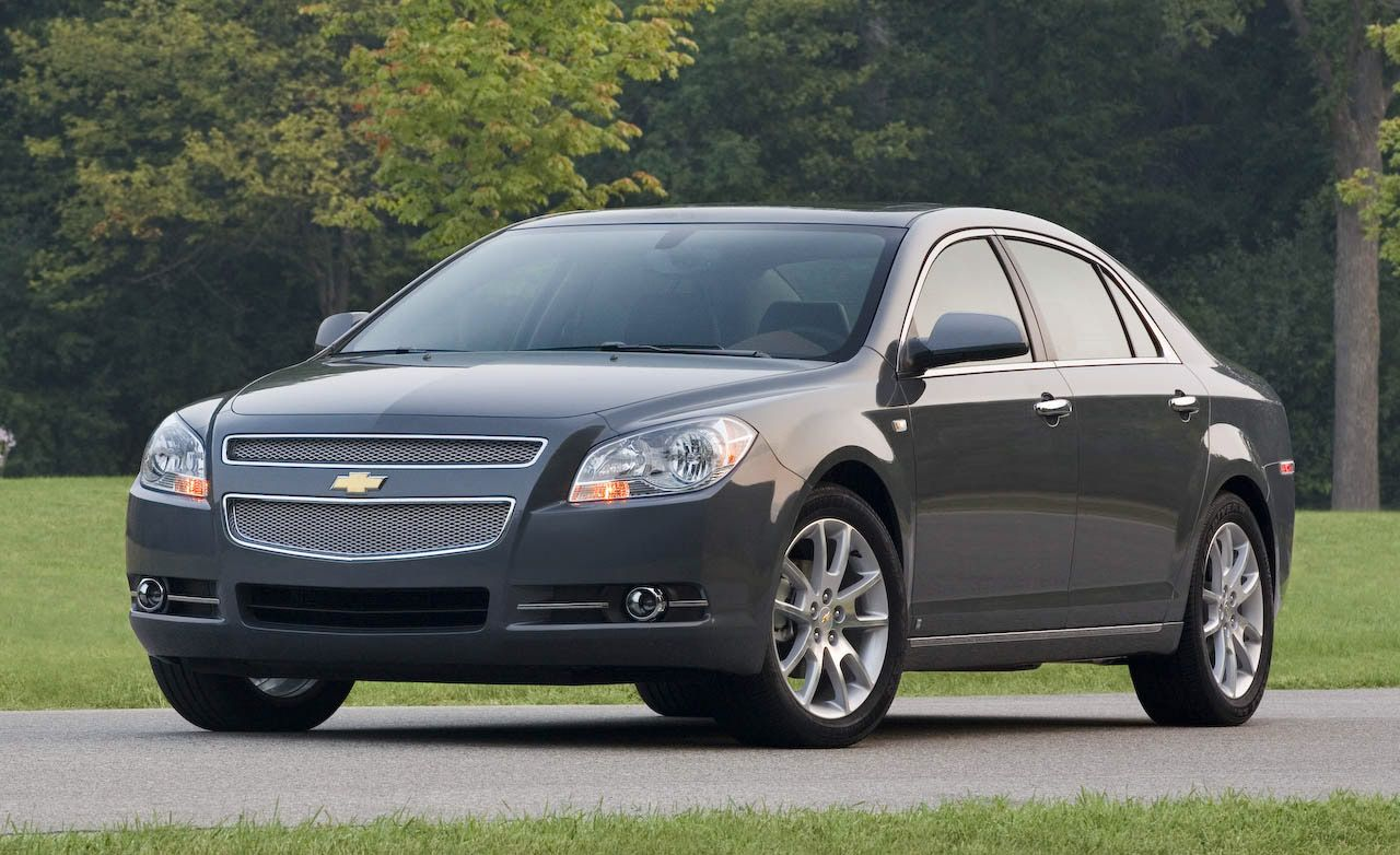 Malibu 2009 chevy malibu v6 : 2009 Chevrolet Malibu | Review | Reviews | Car and Driver