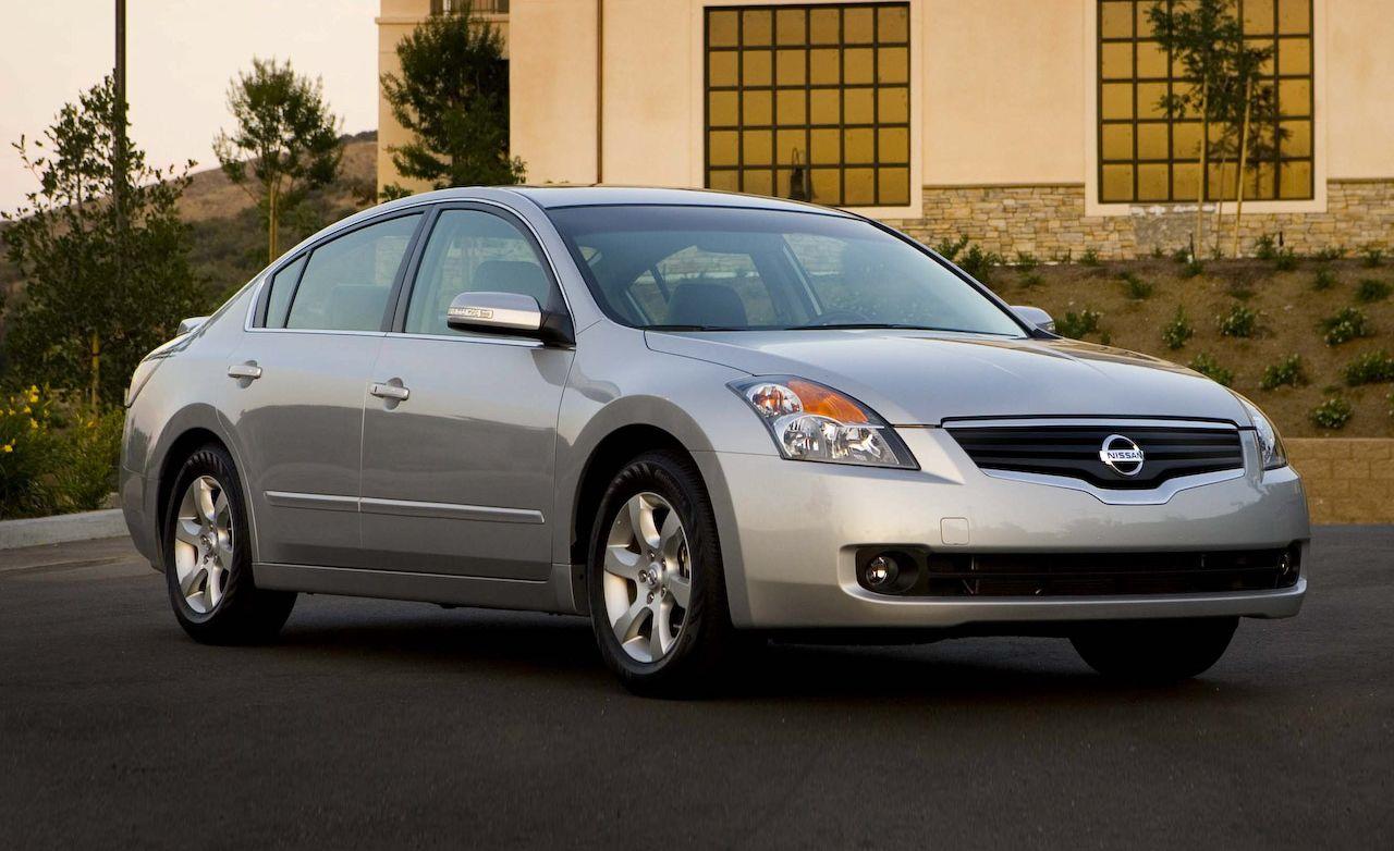 Beautiful 2009 Nissan Altima Hybrid