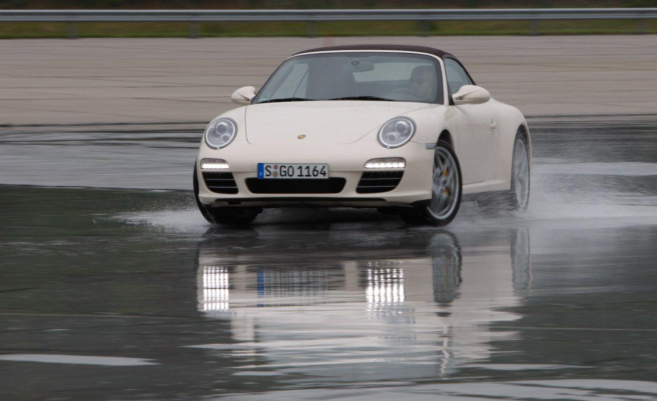 2009 Porsche 911 Carrera 4 / 4S