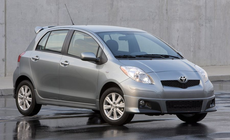 2009 toyota yaris review car and driver. Black Bedroom Furniture Sets. Home Design Ideas