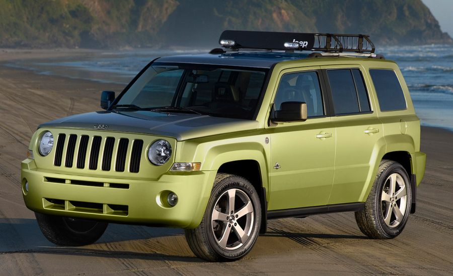 2009 Chrysler Grand Voyager 25th Anniv. Ed., Jeep Patriot Back Country and Compass Overland Concepts