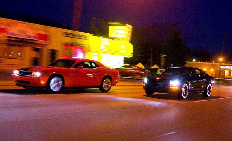 2008 Dodge Challenger SRT8 vs. 2008 Ford Mustang Bullitt