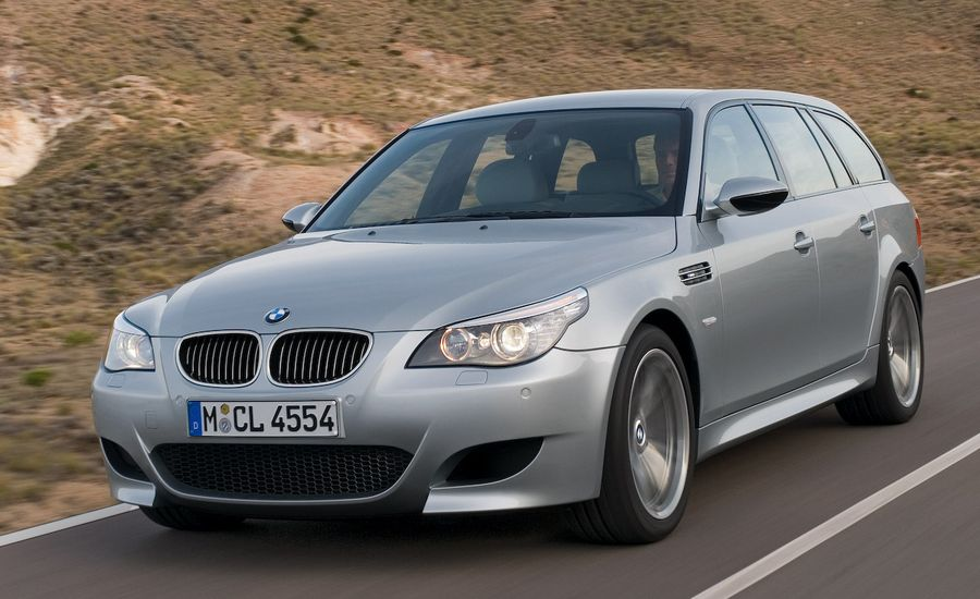 bmw m5 touring feature features car and driver. Black Bedroom Furniture Sets. Home Design Ideas